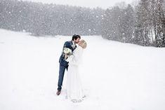 Brautpaar, Schnee, Paarshooting, Vintage Hochzeit in Mondsee, Hochzeitsfotografin Birgit Schulz aus Salzburg Salzburg, Blog, Outdoor, Newlyweds, Outdoors, Blogging, Outdoor Games, Outdoor Life