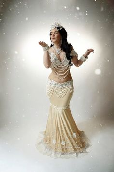 Алиса Дремина Belly Dance Outfit, Belly Dance Costumes, Chica Fantasy, Dance World, Tribal Belly Dance, Dance Poses, Dance Fashion, Belly Dancers, Dance Outfits