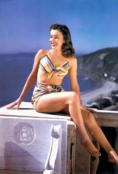 Marilyn Monroe Norma Jean Vintage Pin up Print Incredible Legs Awesome photo Estilo Marilyn Monroe, Joven Marilyn Monroe, Fotos Marilyn Monroe, Young Marilyn Monroe, Norma Jean Marilyn Monroe, Marilyn Monroe Brunette, Marilyn Monroe Swimsuit, Marilyn Monroe Photoshoot, Classic Hollywood