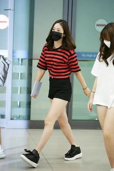 Here's Fashionable korean fashion trends Korean Airport Fashion, Korean Fashion Minimal, Korean Fashion Summer, Korean Fashion Trends, Fashion Idol, Kpop Fashion, Trendy Fashion, Fashion Outfits, Kpop Outfits