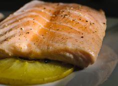 """Salmón y manzana. Proteínas, grasas """"buenas"""" y vitaminas, un plato completo."""