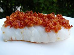 Dos de cabillaud en crumble de chorizo et parmesan - Cod fillet with chorizo ​​and parmesan crumble No Salt Recipes, Fish Recipes, Seafood Recipes, Cooking Recipes, Healthy Recipes, Chorizo, Recipes From Heaven, Fish Dishes, Perfect Food