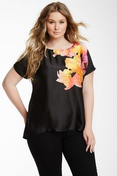 Hi-Lo Graphic Blouse (Plus Size)