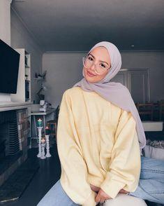 𝓟𝓮𝓪𝓪𝓪𝓼𝓮 February 13 2020 at fashion-inspo Modern Hijab Fashion, Hijab Fashion Inspiration, Muslim Fashion, Modest Fashion, Fashion Ideas, Fashion Tips, Fashion Trends, Hijab Casual, Hijab Chic