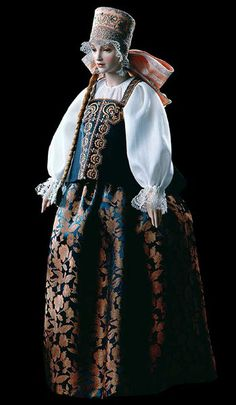 Maria, by Alexandra Koukinova Maria's costume is an ethnographically exact traditional attire of a girl promi-sed in marriage from Arkhangelsk Province (late 18-th - early 19-th century). LE 175