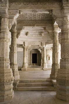 Jain Temple in Ranakpur, Rajasthan, India Architecture Temple, Architecture Antique, Beautiful Architecture, Beautiful Buildings, Architecture Details, Modern Architecture, Modern Buildings, Palaces, Beautiful World