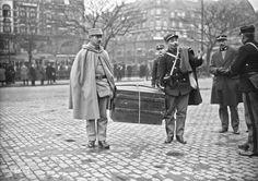 1923 - Düsseldorf, douaniers (occupation française de la Ruhr)   Photographie de presse : Agence Rol