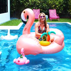 Saturdays in the Sun 🌞 Pool floats and Fun! Shop our swans 👉www.thegrovewp.com #shopourinstagram
