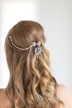 Hey, I found this really awesome Etsy listing at https://www.etsy.com/listing/261115885/bridal-hair-swag-wedding-hair-jewelry