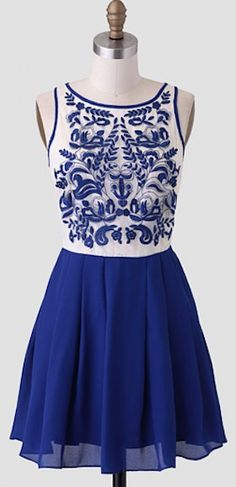 beautiful floral bodice dress http://rstyle.me/n/ijj8rr9te