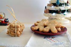 Preparate in casa i biscotti natalizi vegan speziati senza uova ne burro con un sapore favoloso che crea in tutta la casa una fantastica atmosfera!