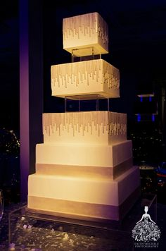Contemporary wedding cake.  Downtown Los Angeles AT&T Center penthouse wedding.  http://faith-michele.com/amanda-mark-at-att-center-los-angeles-wedding-photographer/