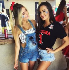PIN ↠ graciedean02 College Game Days, College Girls, Best Friends For Life, Best Friend Goals, Bff Goals, Squad Goals, Tailgate Outfit, College Sorority, Football Outfits