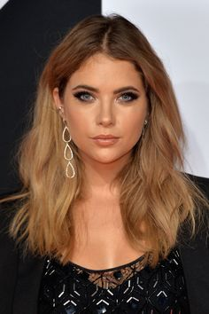 Ashley Benson's stunning nude lip at the MTV EMAs 2015.