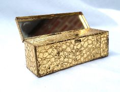 VINTAGE GOLD TEXTURED METAL OBLONG LIPSTICK HOLDER WITH MIRROR