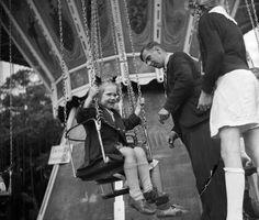 Amsterdam - bevrijdingsfeest op het Amstelveld 1945 - Fotograaf Cas Oorthuys