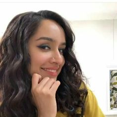 Actresses With Brown Hair, Red Haired Actresses, Female Actresses, Indian Actresses, Short Bob Hairstyles, Cool Hairstyles, Shraddha Kapoor, Shahid Kapoor, 50 And Fabulous