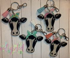 Heifer/cow with headband keychain-Completely Customizable! Diy Resin Crafts, Diy Crafts For Gifts, Crafts To Sell, Diy Resin Keychain, Acrylic Keychains, Craft Fair Ideas To Sell, Keychain Design, Keychain Ideas, Heifer Cow