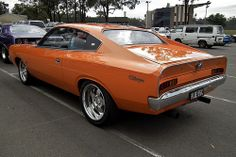 Taken in the car park at the 2011 New South Wales All Chrysler Day, held at Fairfield Showground, Prairiewood, Sydney. Australian Muscle Cars, Aussie Muscle Cars, Chrysler Charger, Chrysler Valiant, Dodge Muscle Cars, Australian Vintage, Ford Girl, Car Engine, Hot Cars