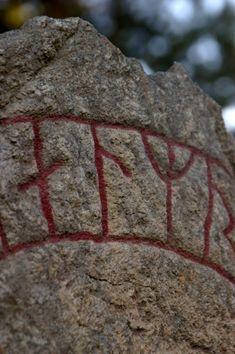 TALISMAN : LE POUVOIR DES RUNES - Divination, Les Runes, Bread, Rune Symbols, Runes Meaning, Rune Alphabet, Bakeries, Breads