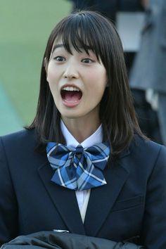 高橋ひかる School Girl Japan, School Uniform Girls, High School Girls, Japan Girl, Ivory Skin, Ebony Hair, Japanese Models, Happy Girls, Human Body