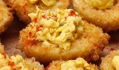 You've never seen deviled eggs like this before. How to Make Deep Fried Deviled Eggs Deep Fried Egg, Deep Fried Deviled Eggs, Deviled Eggs Recipe, Egg Recipes, Great Recipes, Cooking Recipes, Favorite Recipes, Recipies, Dessert Recipes