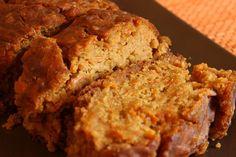 Per il periodo  del dopo feste ecco una torta leggera e golosa a base di carote e di farina di cocco, e veramente priva di grassi aggiunti: perfetta per colazioni e merende