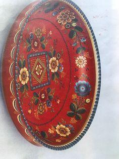 One Stroke Painting, Tole Painting, Rosemaling Pattern, Contemporary Decorative Art, Norwegian Rosemaling, Beautiful Norway, Scandinavian Folk Art, Naive Art, Painting Techniques