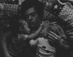 """""""Bu-but you are my boss.""""I stutter out. """"I know and you are my assi… Harry Styles Family, Harry Styles 2013, Harry Styles Baby, Harry Styles Imagines, Harry Styles Pictures, Harry Edward Styles, Fanfic Larry Stylinson, Larry Shippers, One Direction Videos"""