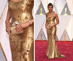 Robin Roberts at the 2017 academy awards. Love the shimmering gold dress and clutch!💕