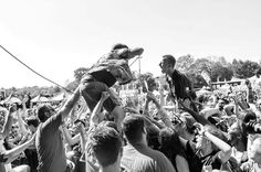 Throwing it back to the summer and also one of my favorite images in honor of their Holiday Show tomorrow @alanxday of @fouryearstrong at Mansfield @vanswarpedtour