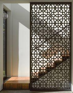 ideas metal screen design interiors for 2019 Screen Design, Door Design, Wall Design, Design Case, House Design, Design Design, Facade Design, Wooden Screen, Metal Screen