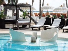 Have a seat in the unique aqua spa at El Taj Oceanfront and Beachside Condo Hotel. Relax on one of the water massage chairs engulfed in water as you overlook the sea. http://hotelplusportal.com/ElTajOceanfrontandBeachsideCondoHotel-in-PlayadelCarmen
