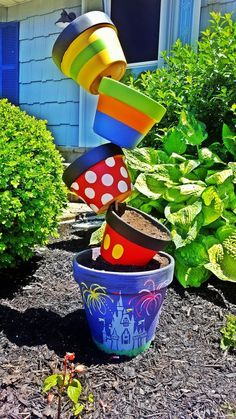 Topsy-turvy Disney planter… made it all by myself! - Topsy-turvy Disney planter… made it all by myself! Disney Diy, Casa Disney, Deco Disney, Disney Rooms, Disney Home Decor, Disney Crafts, Disney House, Flower Pot Crafts, Clay Pot Crafts