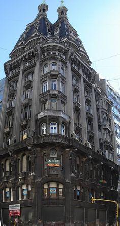 Edificio Otto Wulff en el barrio de Montserrat || Av. Belgrano y Perú. Construido en 1914