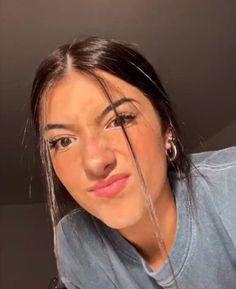 charli d'amelio on TikTok 90s Grunge Hair, Soft Grunge Hair, Hair Streaks, Hair Highlights, Beautiful Girl Image, The Most Beautiful Girl, Hair Color Blue, Blue Hair, Teen Celebrities