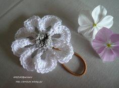 最後まで糸を切らずにお花のヘアゴム♪・アレンジ編の作り方|編み物|編み物・手芸・ソーイング|アトリエ