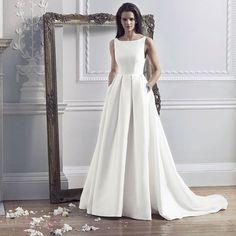 Classic and timeless @carolinecastigliano's Hepburn gown - appropriately named. #CarolineCastigliano #weddingdress #weddingdresses #weddinggown #weddingideas #weddinginspiration #bridetobe #justengaged #dreamdress#bridalgown #ido #gettingmarried #instabri
