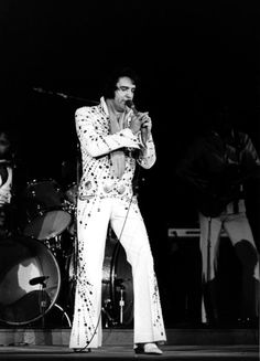 Elvis in concert in Charlotte , march 9 1974.