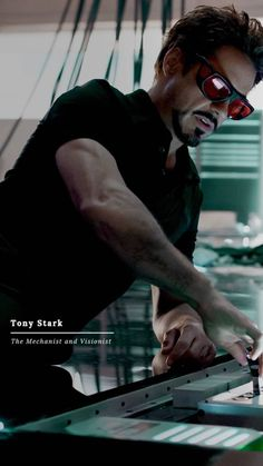 Tony Stark- the one who saved us all Marvel Dc, Hero Marvel, Marvel Memes, Marvel Comics, Iron Man Avengers, The Avengers, Robert Downey Jr., Iron Man Tony Stark, Downey Junior