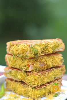 Bombay Sandwich – Vegan Masala Sandwich - Burger and Sandwich - Vegetarian Sandwich Vegan, Grilled Sandwich Recipe, Vegetarian Sandwich Recipes, Club Sandwich Recipes, Healthy Recipes, Indian Food Recipes, Cooking Recipes, Bread Sandwich Recipe Indian, Methi Recipes