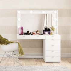 Discover recipes, home ideas, style inspiration and other ideas to try. Vanity Table Set, Vanity Room, Bedroom Closet Design, Bedroom Decor, Makeup Vanity Decor, Dressing Room Design, Beauty Room, New Room, Living Room Designs