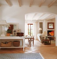 Spanish style homes – Mediterranean Home Decor Best Interior Design, Interior Design Living Room, Terracotta Floor, Rustic Desk, Spanish Style Homes, Mediterranean Home Decor, Cottage Interiors, Cuisines Design, Home Decor Inspiration