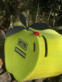 urne ballot box wedding apple