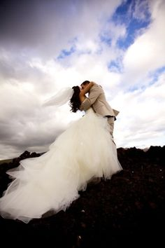 in Maui - photos like this make me want to do a destination wedding :)