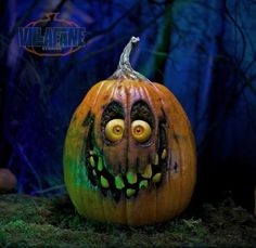 Giggles Pumpkin Sculpture/Carving by Ray Villafane