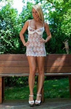Nikki rocks a lingerie slip. Hot Outfits, Girl Outfits, Blond, Panty Slip, Internet Girl, Nikki Sims, Layered Fashion, Beautiful Gorgeous, Beautiful Women
