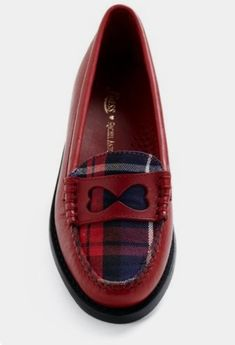 Tartan Plaid and Heart Loafers Pretty Shoes, Beautiful Shoes, Cute Shoes, Me Too Shoes, Ankle Boots, Shoe Boots, Shoes Sandals, Style Anglais, Rachel Antonoff