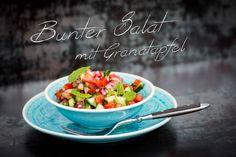 Bunter+Salat+mit+Granatapfel+Ein+frischer+bunter+Salat+passt+einfach+zu+vielen+Gerichten,+egal+ob+Fleisch+oder+Fisch.+Dieser+Salat+ist+auf+jeden+Fall+eine+erfrischende+Beilage.+Passend+dazu+kann+ich+Euch+z.B.+den+gegrillten+Lachs+mit+Teriyaki+–+Sauce+empfehlen.+Zutaten:+5+Tomaten+1+Paprika+rot,+grün+oder+gelb+1+halbe+Salatgurke+1+rote+[…]