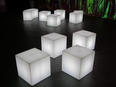 CUBO INDOOR #Beistelltisch #Leuchtobjekt #Slide #Design